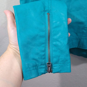 Aeropostale Jackets & Coats - Pretty Little Liars Aeropostale Crop Moto Jacket